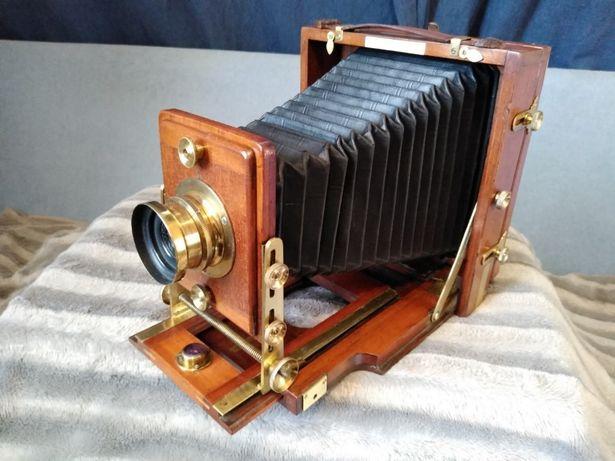 Zabytkowy aparat fotograficzny