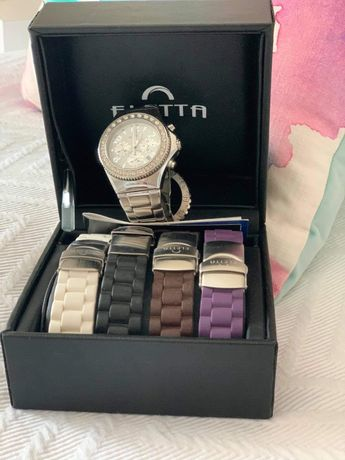 Relógio Eletta com 5 braceletes