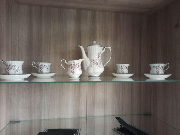Zestaw kawowy / herbaciany porcelana Chodzież