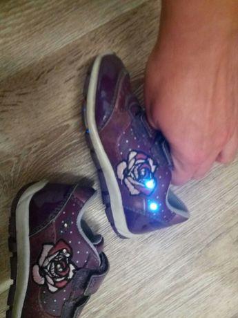Geox кроссовки светящиеся туфли