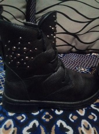 Зимние ботинки на девочку.