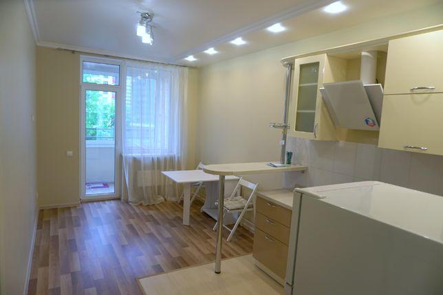 Посуточно квартира в новом доме 4 минуты до м. Левобережная, на месяц