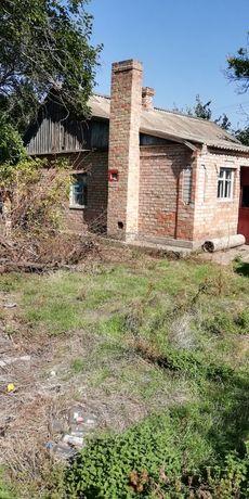 Продам дом с большим участком земли