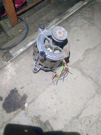 Двигатель стиральной машины Вятка