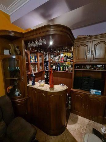 Bar/ garrafeira.