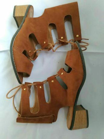Rivier Island Женские замшевые босоножки на шнуровке