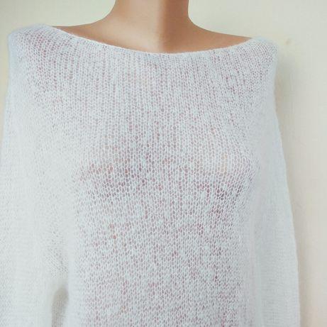 Белый свитер-паутинка из мохера.