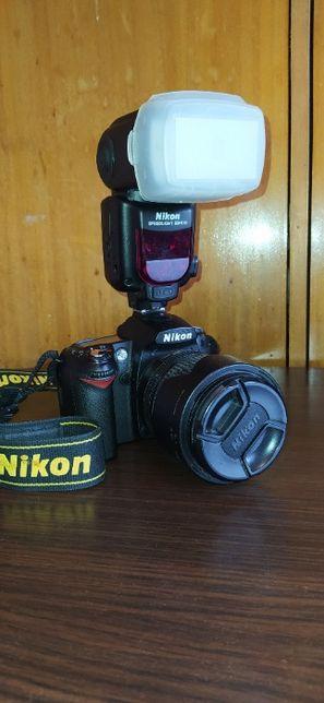 Nikon D90 + Lampa Nikon SB-910