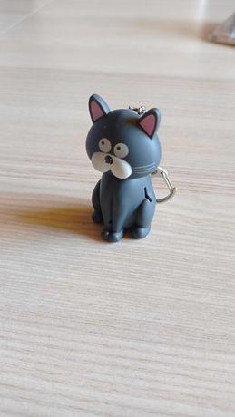 Brelok z zawieszką - Kotek, światło + dźwięk - Kot ma w nosku latarkę