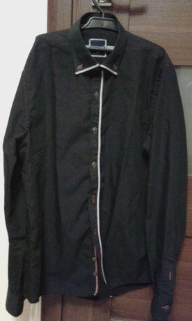 Czarna koszula młodzieżowa