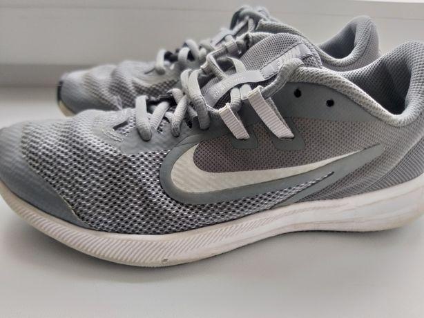 Кроссовки Nike, 38 р.