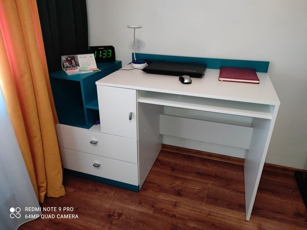 Stolik i półka MOBI