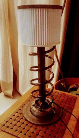 Lampa biurkowa z czesci samochodowych