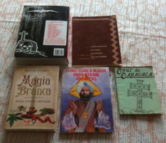 varios livros de magia