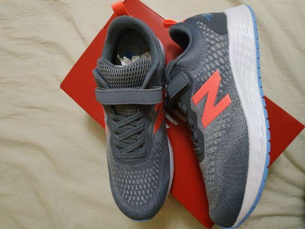 Кроссовки легкие для занятий спортом тканевые New Balance 37.5-38 р.