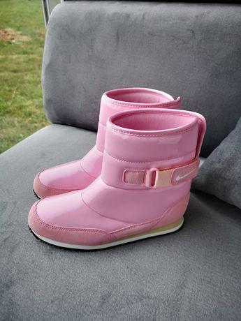 Kozaki śniegowce dziecięce Nike ocieplane cieplutkie wodoodporne 33,5