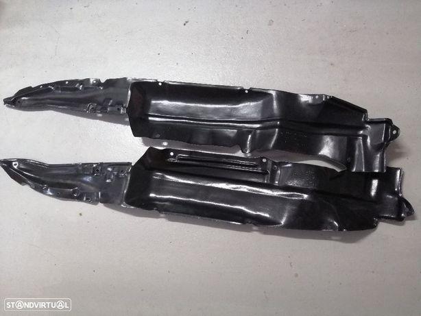 Resguardos de cave roda Nissan D21 4X4 NOVOS