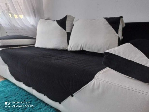 sofa czarno-biała + pufa