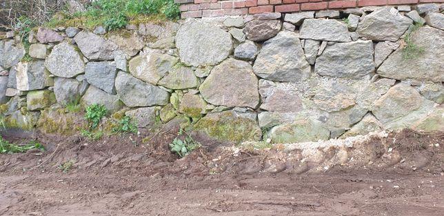 Kamień fundamentowy łupany