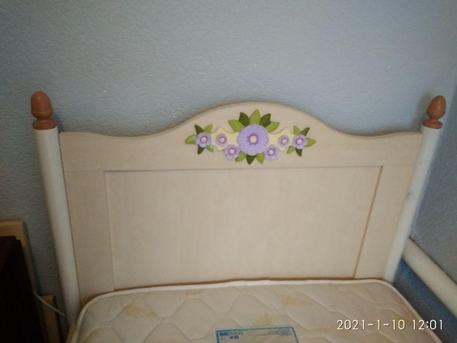 Продам кровать для девочки ( в наличии 2 одинаковые) Енакиево - изображение 1