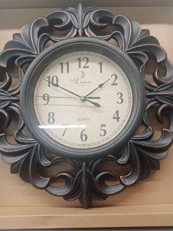 Часы настенные (пластик)