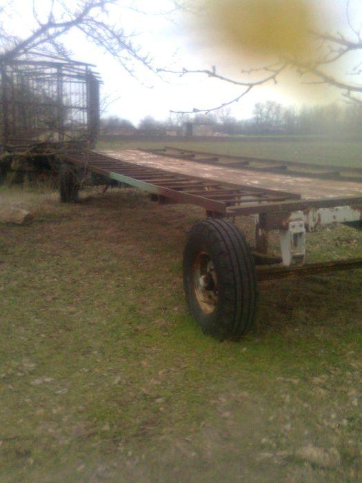 Продам 2 8-ми метровых тракторных прицепа для перевозки пчел Южноукраинск - изображение 1