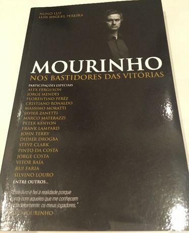 """Livro """"Mourinho - Nos Bastidores das Vitórias"""""""