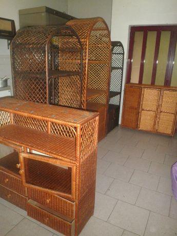 Conjunto móveis em Vime