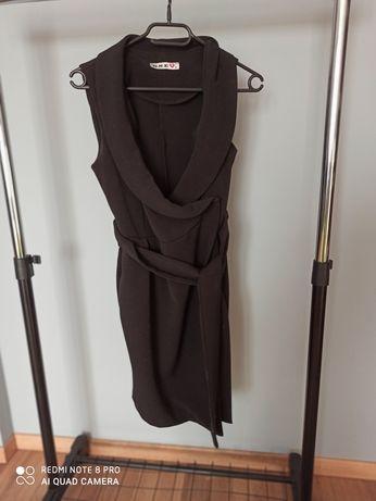 Mała czarna elegancka sukienka