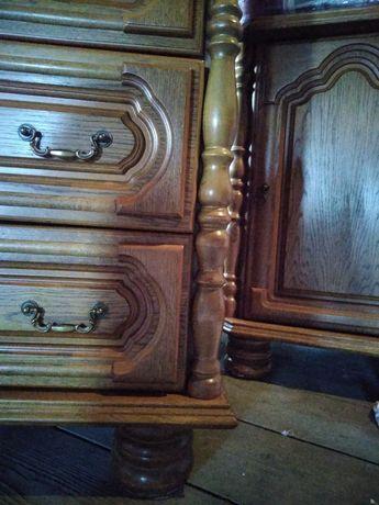 Dewniane meble- komody, witryna narożna, stół rozkładany