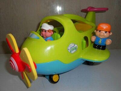 Отличный музыкальный  фирменный самолет по супер цене