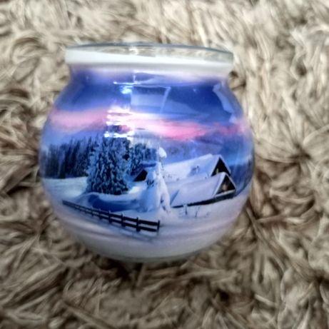 Świeczka zapachowa z motywem zimowym