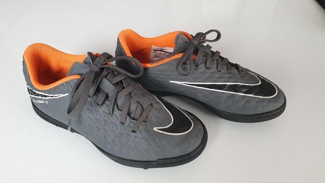 Buty piłkarskie turfy rozm. 35,5
