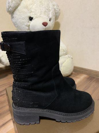 Продам зимние замшевые ботинки,сапоги