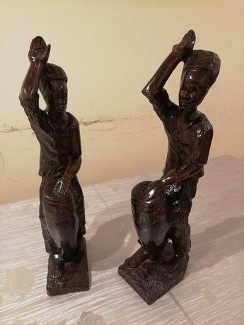Estatuetas (Par) em Madeira feitos à Mão para Decoração (Vendo Par)