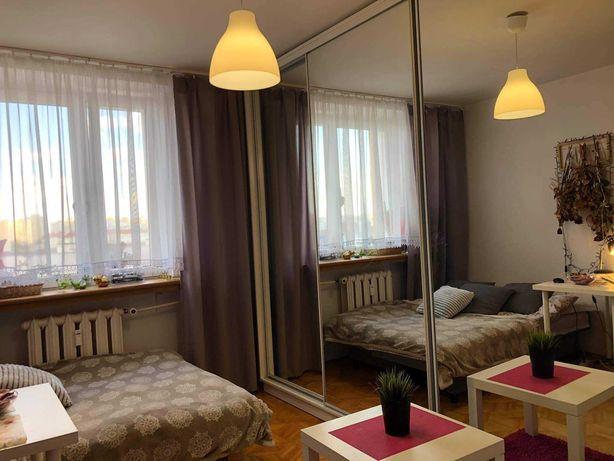 Komfortowy pokój dla dziewczyny - 15m2 Gocław !! WiFi w cenie !