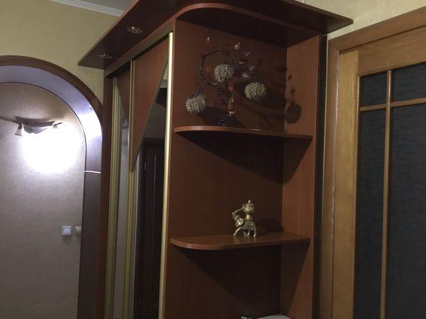 Продам трёхкомнатную квартиру, сталинка на 25 квартале.