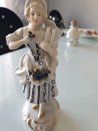 Figurka porcelanowa sygnowana