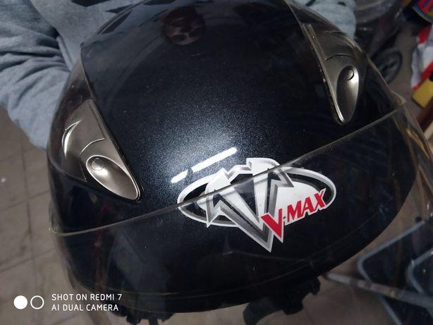 Capacete usado V-MAX
