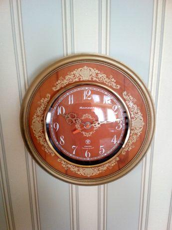 Часы кварцевые Янтарь. Настенные. СССР