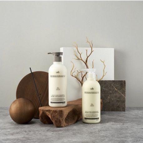 Универсальный шампунь Lador Moisture Balancing Shampoo