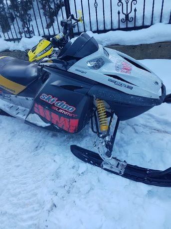 Skuter śnieżny Ski doo summit 800