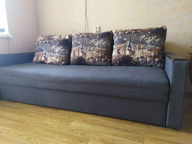 Продам диван, состояние нового.