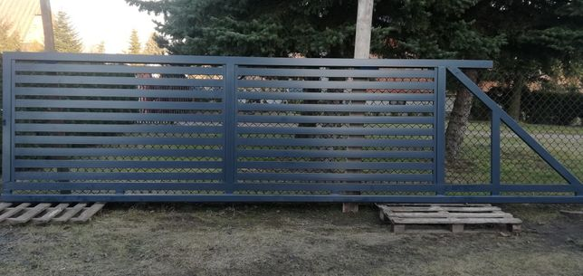 Brama przesuwna 4,5 m od ręki
