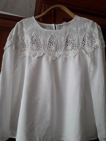 Продам красивую блузку с прошвой
