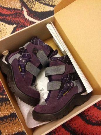 Продаются детские зимние ботинки Ecco