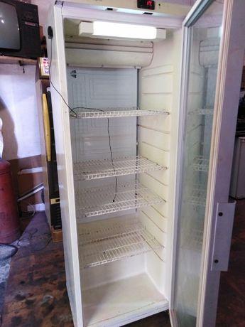 холодильник -витрина плюсовая