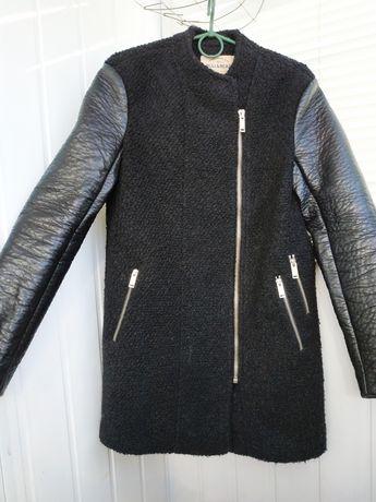 Пальто Pull&Bear черное кашемировое деми зимнее куртка пуховик шуба