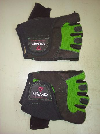 Вело перчатки без пальцев.