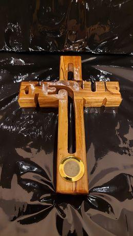 Krucyfiks z drewna oliwnego - Krzyż